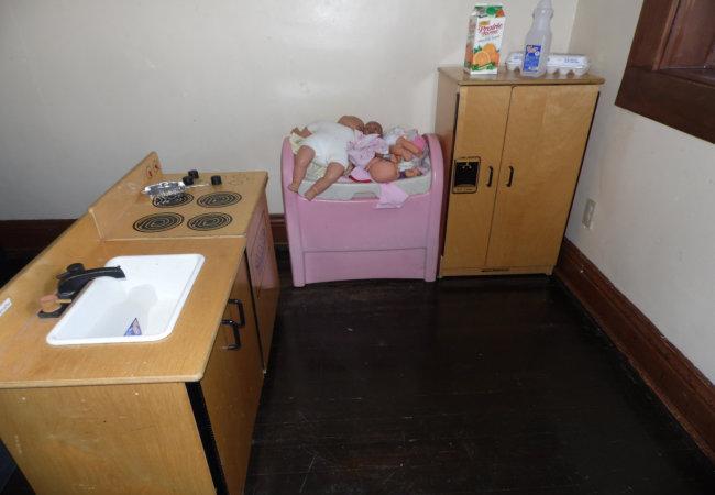 mini kitchen for preschoolers